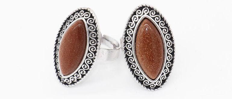 Кольца с коричневым камнем