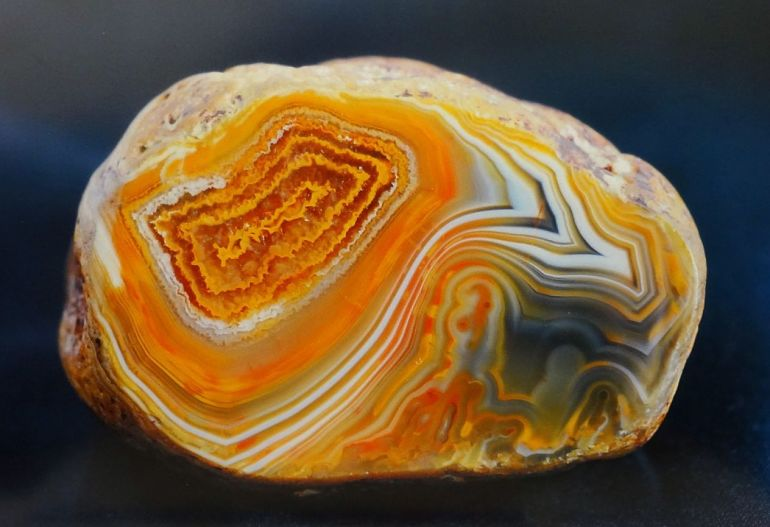 Камень варсицит