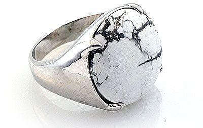 Кольцо с кахолонгом