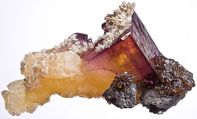 Красный минерал