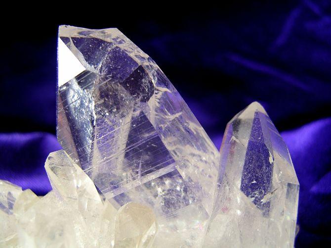 Кристаллический камень