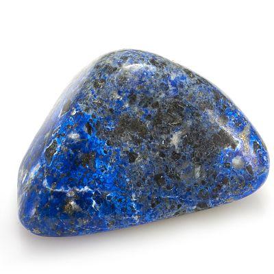 Камень с черными точками
