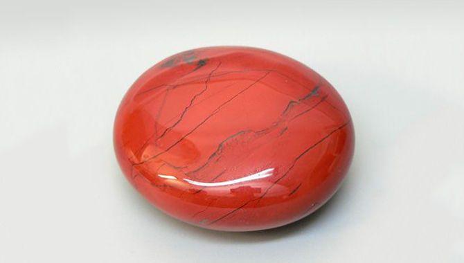 Красный нефрит