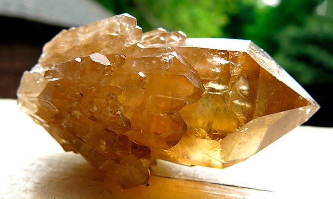 Желтый кристалл
