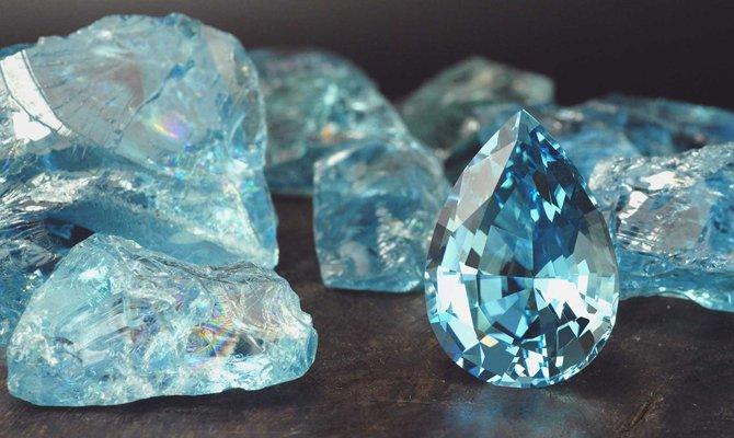 Бирюзовый камень