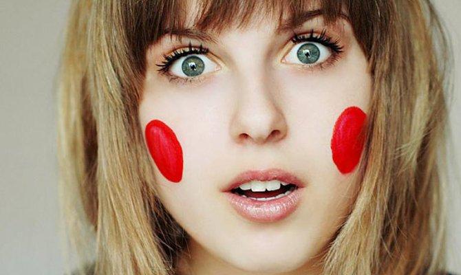 Красные щеки