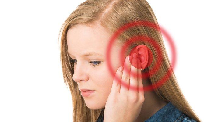 дискомфорт в ухе