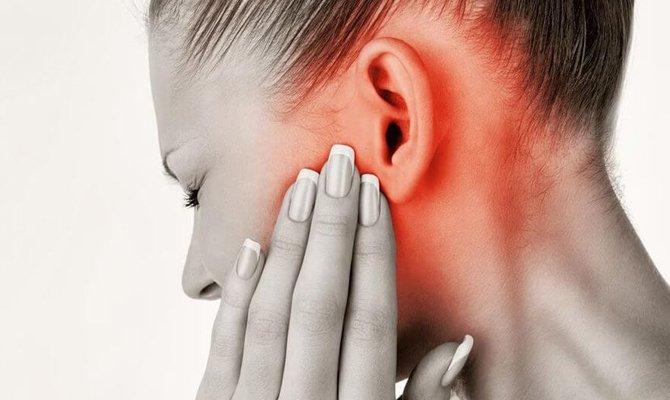 Уши и щеки