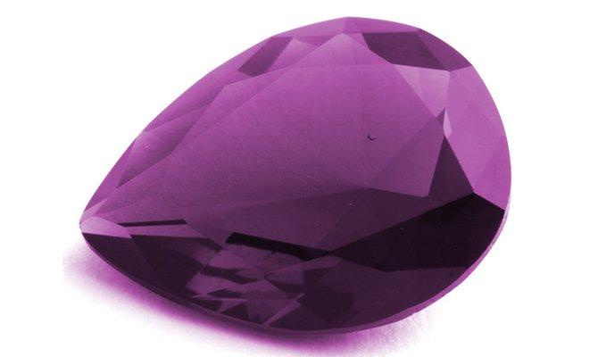 Фиолетовый минерал